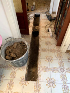 Mitigazione edificio residenziale: realizzazione linea interna depressurizzazione terreno - Ischia, Napoli