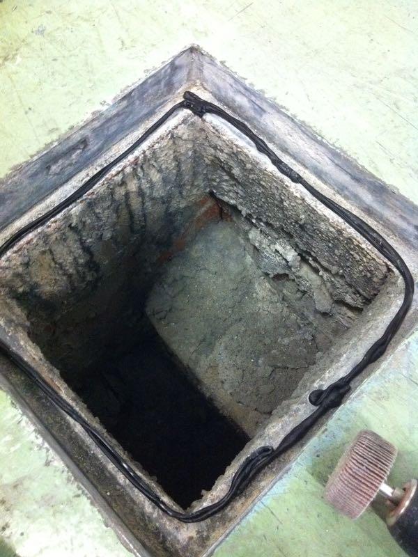Lissone: sigillatura pozzi scolo acque capannone industriale 500 mq
