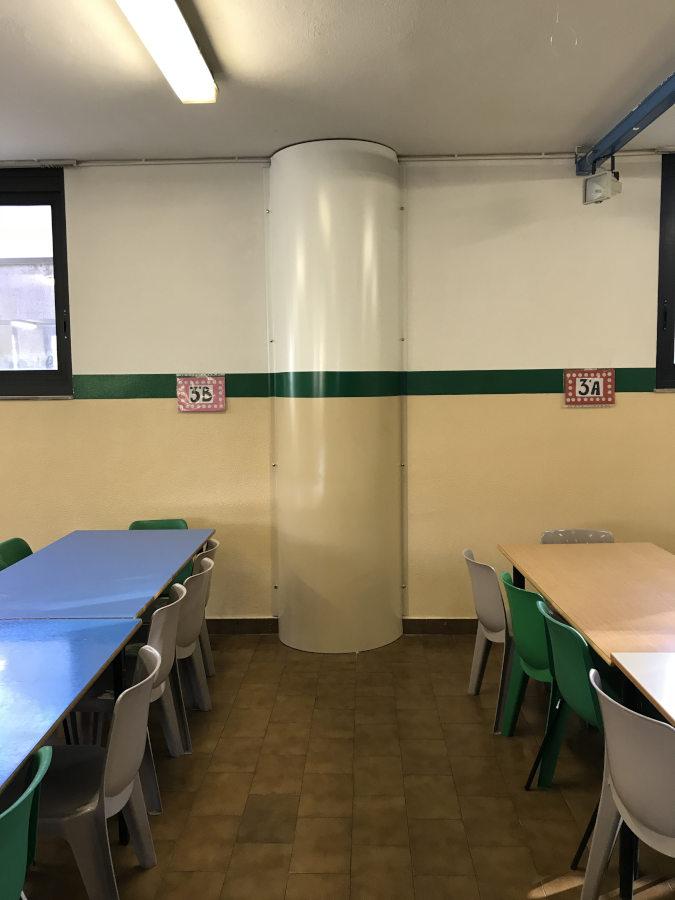 Scuola a Boffalora - Dettaglio rivestimento tubo depressurizzazione Radon