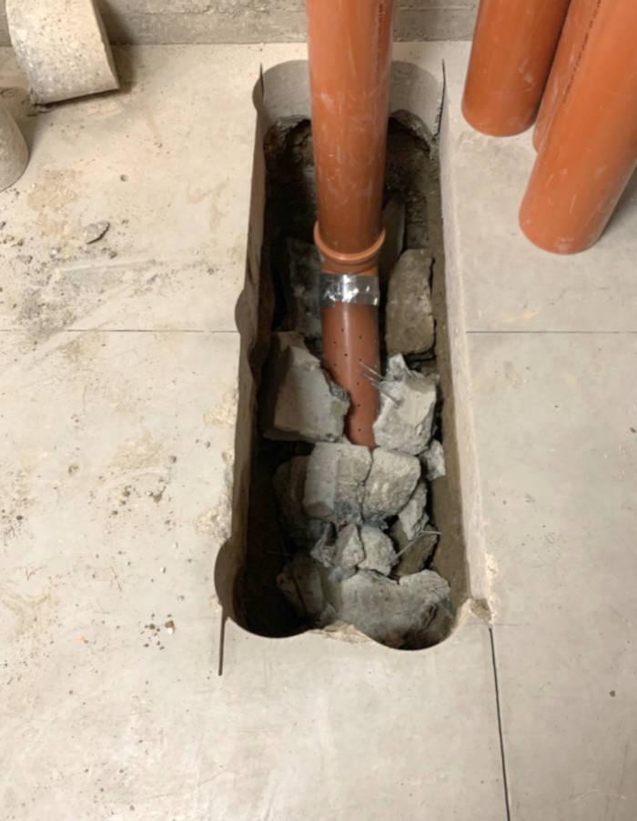 Dettaglio linea di depressurizzazione gas Radon presso magazzino interrato a Segrate (MI)